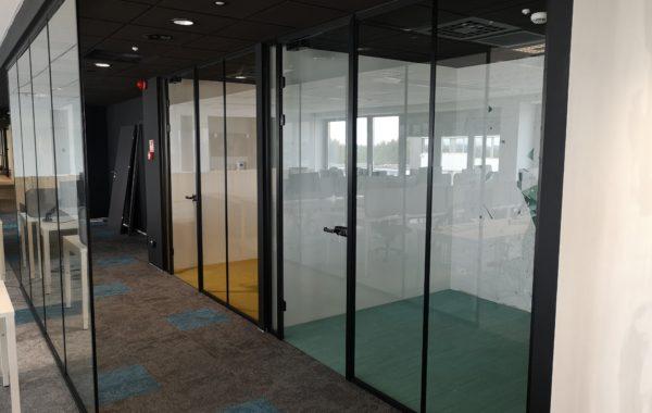 Przegrody szklane - realizacja Esglas