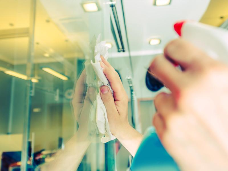 Jak dbać o czystość szkła