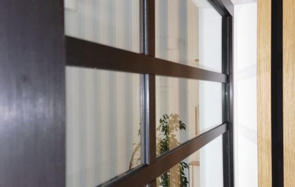 Ściana działowa ze szkła