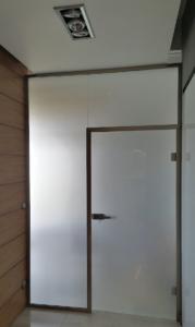 Drzwi ze szkła mlecznego