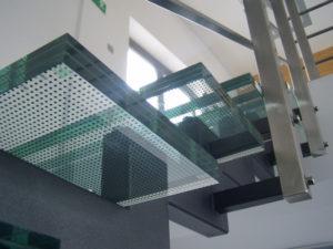 grube szklane schody