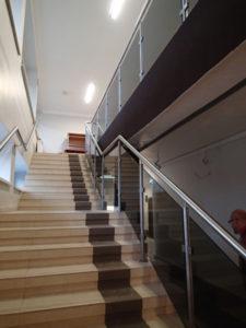 szklane ścianki schodowe